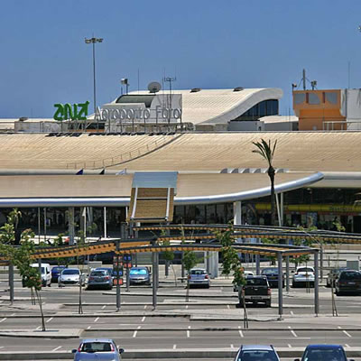 Faro Airport transfers - passengers collecting area