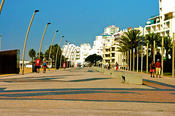 The long sidewalk along Quarteira beach called calçadão